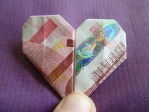 geld als hartje vouwen